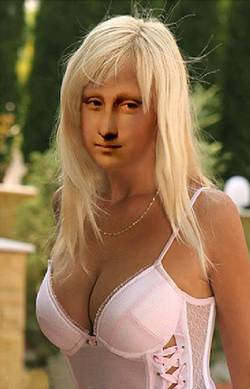 Blond Mona Lisa