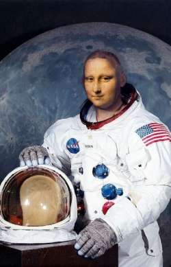 FIRST STEPS ON THE MOON...A LISA