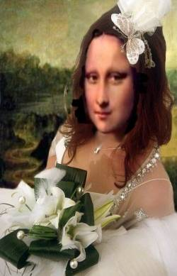 Just Married Mona
