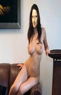 M.Lisa nude on living room !!