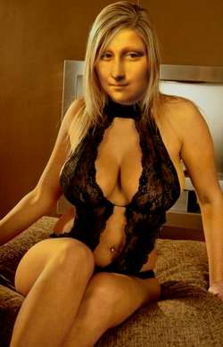 Mona Big Tits