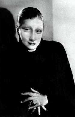 Mona Garbo 2