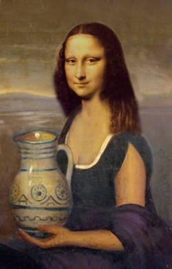 Mona holding a Pot