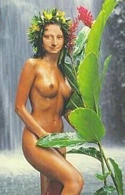 Mona in paradise