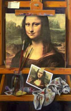 Mona Lisa on easel