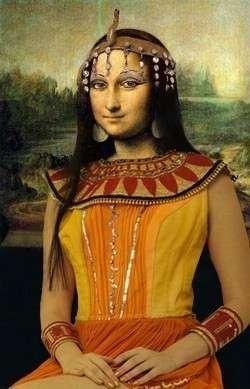 Mona Néfertiti