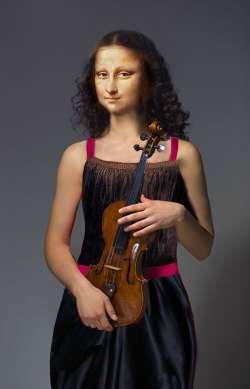 Mona Violinist