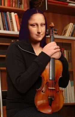 Mona with the Violin