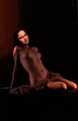 naked Mona
