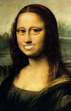 New Smile of Mona Lisa