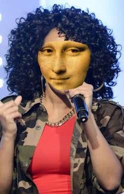Singer Lisa