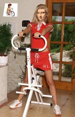 Sporty Mona